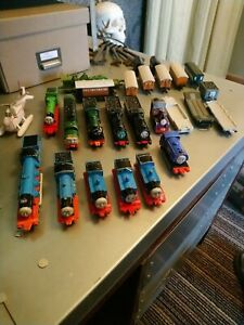 Thomas The Tank Engine Diecast Engines And Track 20+ engines