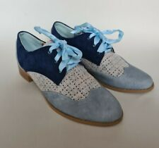 Joe Brown's lace up shoes size 4