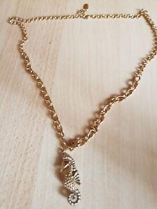 goldene Modeschmuck Damen Halskette mit Seepferdchen-Anhänger von Ricarda M