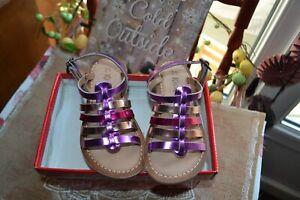 chaussure neuve kickers sandalette p 25 fuschia or rose