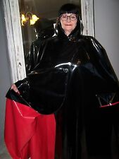 CAPE DOMINA PVC épais NOIR envers ROUGE. 2XL/3XL. DOMINA CAPE.