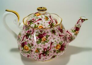 Royal Albert Old Country Roses OCR Pink Chintz 4.5 Cup Footed Teapot Gold Trim
