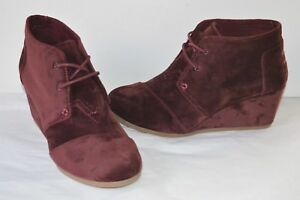 New $90 Toms Plum Velvet Desert Wedge Lace Up Ankle Wedge Boot Bootie sz 9.5