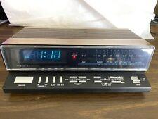 Vintage Realistic Chronomatic 208 Wood Grain AM/FM Dual Alarm Clock Radio, Works