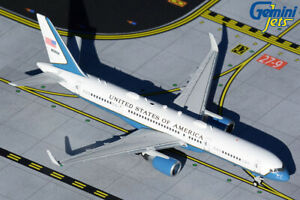 GEMINI JETS U.S. AIR FORCE TWO BOEING C-32A DIE-CAST 1:400 GJAFO1635 IN STOCK