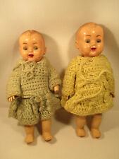 Puppen Kunststoff Celluloid Zwillinge Agaespoly Hong Kong alt Puppenstube