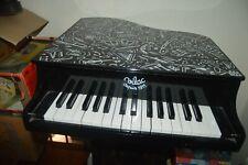 PIANO A QUEUE EN BOIS VILAC  POUR ENFANT 50CM X 55 CM