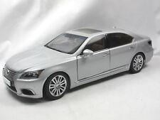 AUTOart 78841 - 2013 Lexus LS600h L - Sonic Silver -  1/18 OVP
