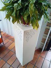 Metall Säule 80x25x25 creme/weiß Pflanzsäule Blumenständer Galeriesockel Podest