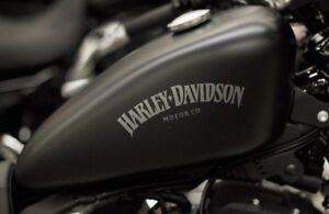Harley Davidson Iron Tank Aufkleber in Schwarz Matt 25 ×8 cm.Top Neu 2 Stück