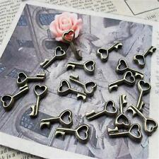 30pcs Cute Antique Bronze Mini Heart Key Small Pendants 8*15mm New Charms P251