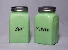 Green JADE GLASS SEL & POIVRE French SALT & PEPPER SHAKER SET Jadeite