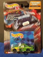 Hot Wheels Nascar Trading Paint #94 JOHN DEERE - NASCAR