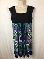 STUDIO I Women's stretchy dress Size 6 Multi-color Paisley print