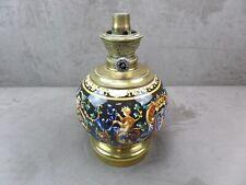 BELLE LAMPE à PETROLE en faïence de GIEN. XIXème.