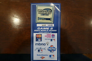 2004 World Series Game 2 Commemorative Pin - Limited 60000 - Red Sox / Cardinals