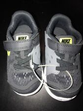 New Nike Charcoal/Green Boys children's shoes boys size 6CR