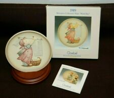 Vintage Miniature Goebel Hummel Collectors Plate -Wash Day- With Stand 1989