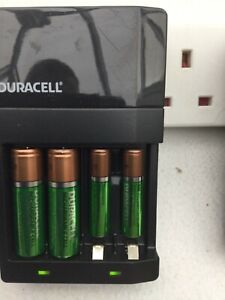 Duracell high speed battery charger CEF14