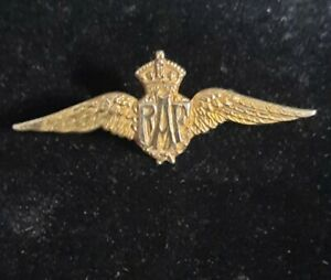 WW2 Royal Air Force RAF Wings Sweetheart Brooch 9ct Gold Front and Silver rear.