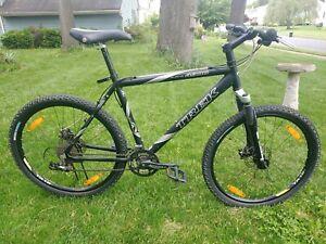 trek 4900 mountain bike