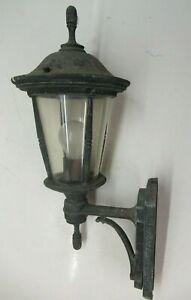 Vintage Cast Metal Outside Wall-Mounted Light/ Lantern