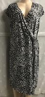 Apt 9 Women's Dress Sheath V-Neck Stretchy Spotted Black/White Print Size 1X