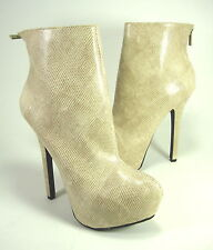 "DOLLHOUSE WOMEN'S ""DANGER"" ANKLE BOOTS IVORY SYNTHETIC US SIZE 7.5 MEDIUM (B, M)"