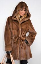 Manteau a capushe,fourrure véritable de vison d'elevage, sur commande,sur mesure