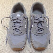 WOMEN'S NEW BALANCE GREY TRAINERS - SIZE 7 UK (BRILLIANT CONDITION)