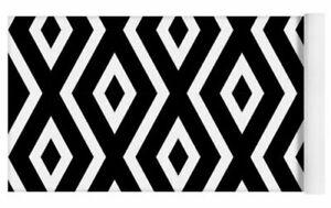 Black and White Pattern Yoga Mat