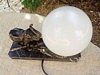 Ancienne lampe chevet-Eléphant art-déco-veilleuse grande boule blanche