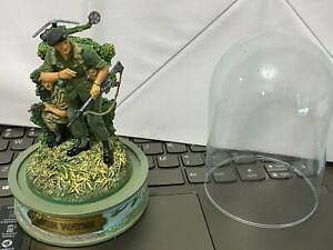 "Franklin Mint John Wayne ""The Green Berets"" Domed Figurine--Numbered......hcj"