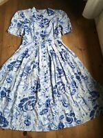 Midikleid Mantelkleid vintage Kleid blau weiß Viskose florales Muster 42 44