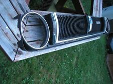 """TOYOTA  COROLLA  KE55  """"RARE""""  79 GRILLE  COMPLETE &  IN  GREAT SHAPE FOR AGE"""