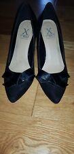 Size 6 Black Bow Kitten Heels