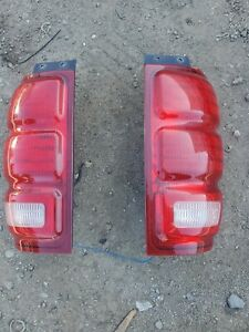 Ford Expedition Tail Lights 1997 1998 1999 2000 2001 2002 Pair L / R .