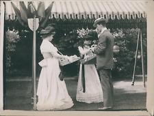 Angleterre, Londres, Femmes à une Garden Party, ca.1905, Vintage silver print vi