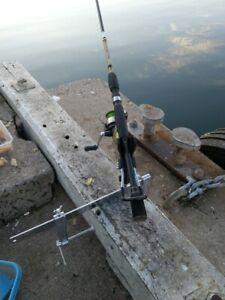 2xmetal pier /boat /bullbar rod holder Rod rest bracket  free shipping $47