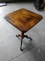 Vecchio tavolino d'epoca  noce e intarsi