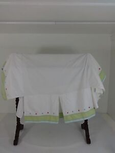 CRIB OR YOUTH BED SIZE DUST RUFFLE WHITE & GREEN COTTON EMBROIDERED FLOWERS