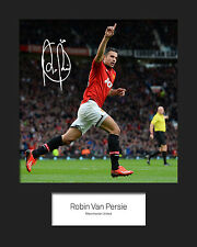 ROBIN VAN PERSIE - MANCHESTER UNITED Signed 10x8 Mounted Photo Print - FREE DEL