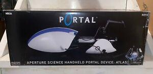 NECA Prop Replica  Portal 2 Atlas Portal Device - 1st Edition MISB (Damaged Box)