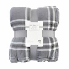 Hudson Home Collection Silky Plush Blanket, Gray and Charcoal Plaid