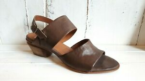 Eos Paoli Leather Sandals in Kangaroo BRAND NEW