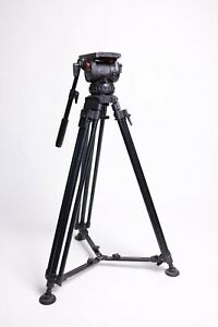 Sachtler Video 20 Head with Single Stage Cartoni Legs and SKB case - USED
