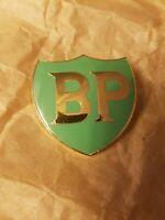 ancienne insigne plaque emaillé station BP déco garage bidon 4x4cm loft