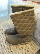 Chaco Light Brown Leather Fur Lined Waterproof Boots  Size 9 EUC