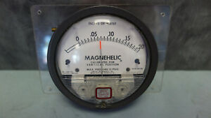 Magnehelic Series 2000 0-.20 Inches of Water Differential Pressure   Gauge