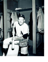MICKEY MANTLE NEW YORK YANKEES  8X10 PHOTO RAWLINGS  BASEBALL HOF USA MLB